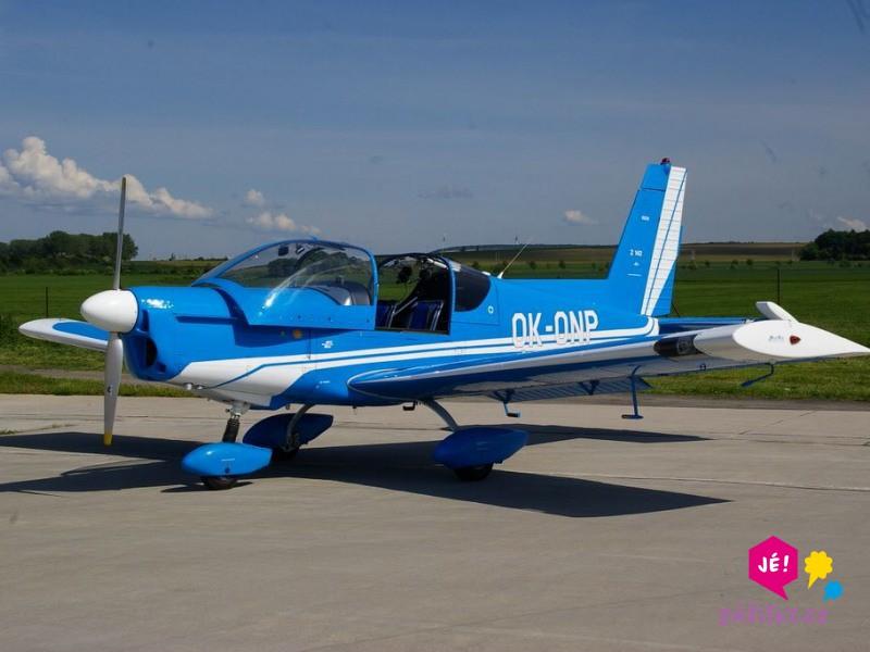 Let akrobatickým letadlem Zlín Z-142 jako zážitek