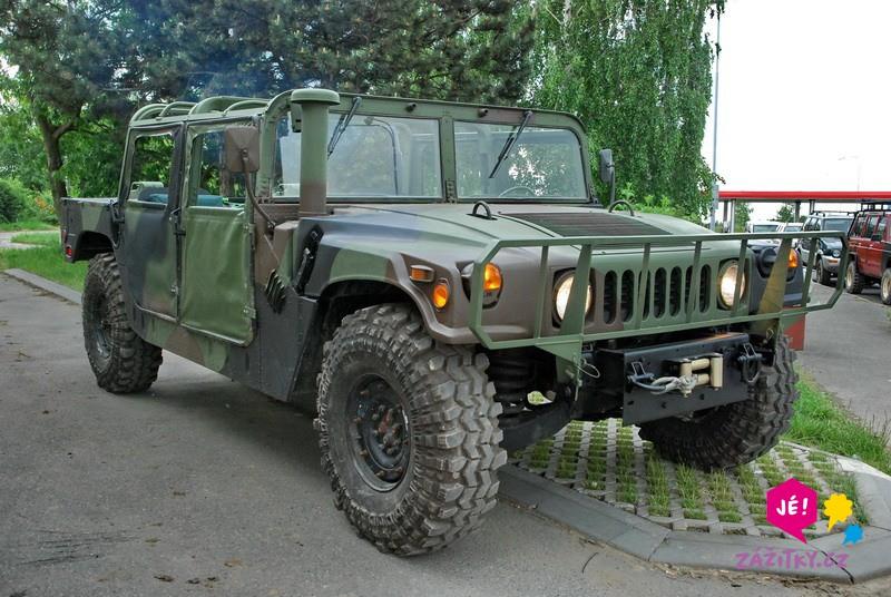 Projížďka ve vojenském Hummeru