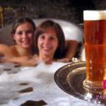 Relax v pivních lázních pro dva jako zážitek